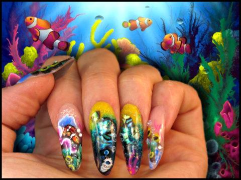 faux ongles gel jaune et vert nail art poissons