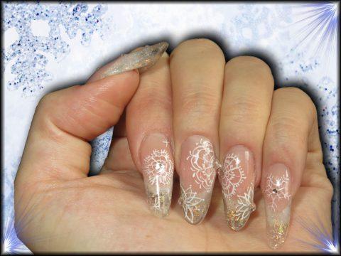 faux ongles résine french transparente paillettes flocon de neige