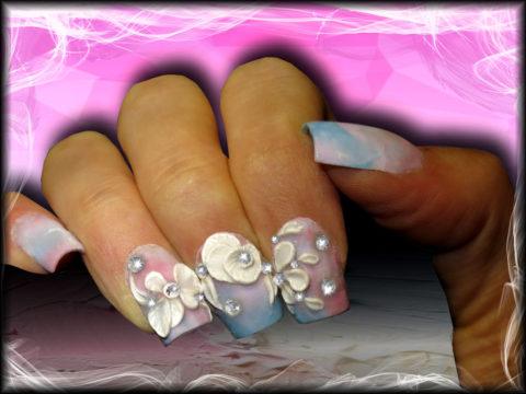 manucure en gel pastel nail art 3d et strass