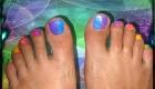 ongles de pieds dégradé arc en ciel