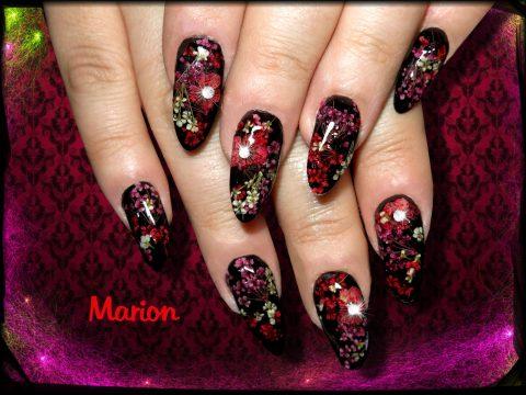 ongles gel capsules noir fleur